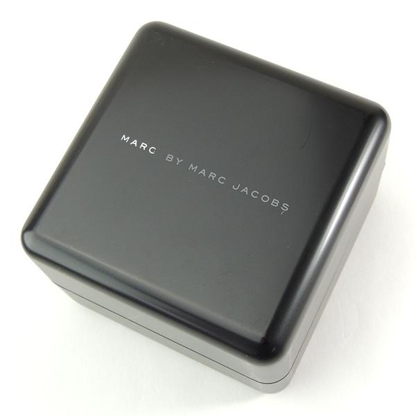 ★ MARC BY MARC JACOBS标记经由标记雅各布MBM9002海外型号人分歧D手表一对皮革带皮革石英白白茶棕色