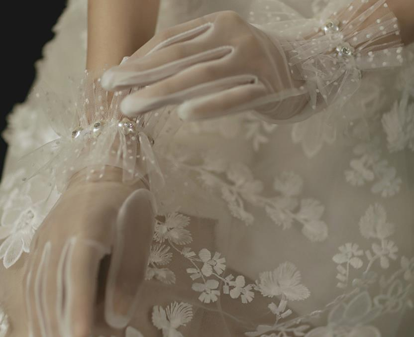ウェディング小物 グローブ 手袋 新入荷 ウエディング パーティー 結婚式 写真撮影 コンサート 花嫁 舞台 レース 安い 新品 お見舞い
