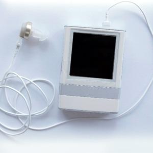山陽プレシジョン 充電式ソーラー補聴器 イヤーステーション みみ宝 EAR station UP-6AXX