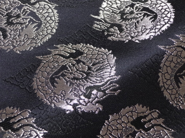 Tokouan It Is Circle Dragon Black Silver The Clothes Cloth