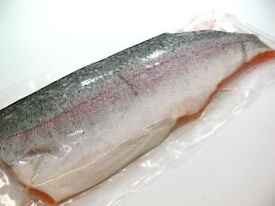 トラウト 贈与 骨なし 塩なし フィレ 700g~1Kg 5☆大好評