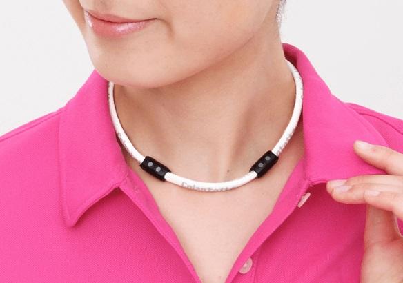 Colantotte コラントッテワックルネック (magnetic necklace)
