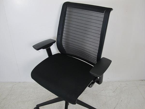 スチールケース シンク オフィスチェア 3Dニットメッシュ 可動肘 樹脂脚 ブラック