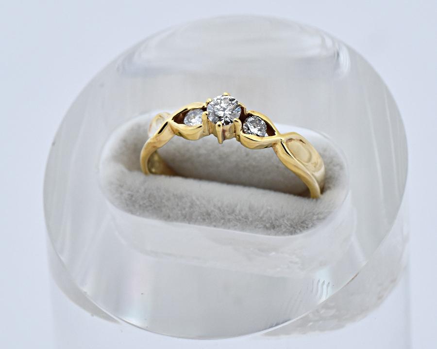 限定価格セール 15時までの決済で即日発送 最短で翌日届きます K18YG ファッションリング ダイヤモンド 在庫一掃売り切りセール D0.24ct サイズ8号 イエローゴールド 研磨仕上げ済 デザインリング 中古