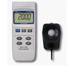 【送料無料】 LUTRON社 データロガー付照度計 YK-2005LX