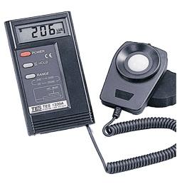 全国送料無料TES社[TES-1334A]光束計・照度計 TES-1334A