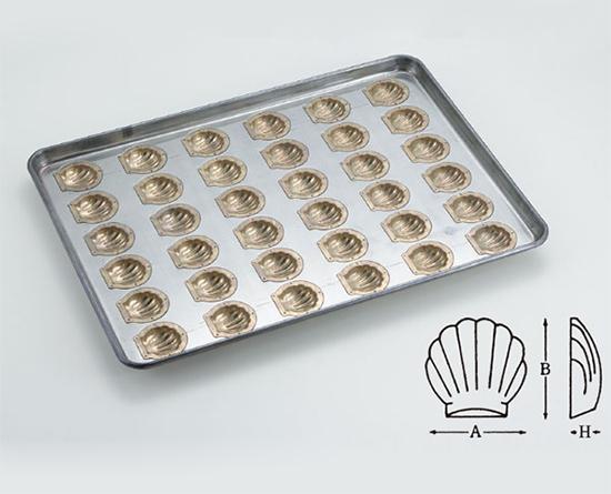 TOMIZ cuoca(富澤商店・クオカ)シリコン加工 ほたて貝型(小)天板 36面 / 1枚 お菓子作りの型 マドレーヌ・フィナンシェ 天板型(フレンチ・6取サイズ)