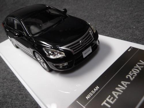 WIT'S W223 1/43 TEANA 250XV ダイヤモンドブラック