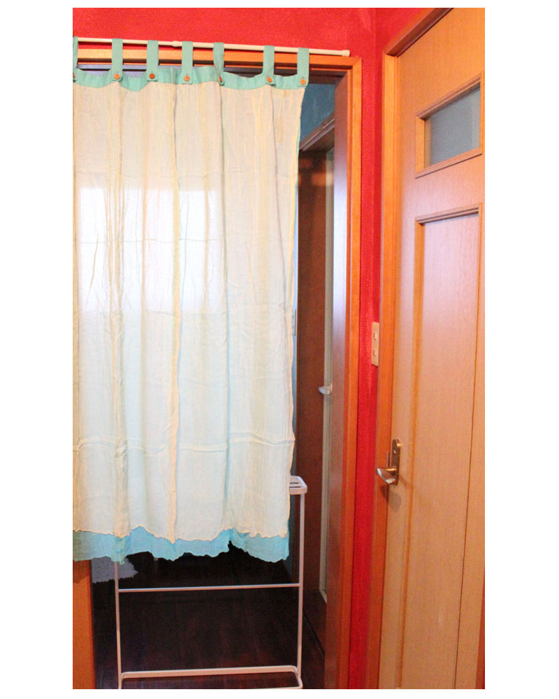 A Crinkle Finish 2 Color Gauze Cloth Is Fluffy Soft Curtains Sunshine Can Feel Comfortable Sheer And Natural Finishes Washing Toilet In Room