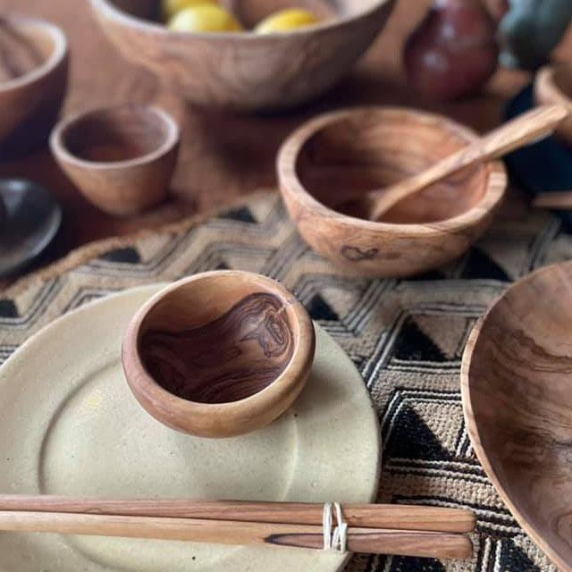 自然の木目が美しいオリーブの木の器 オリーブウッド 豆鉢 Sサイズ オリーブ 木の器 最安値に挑戦 木皿 オリーブの木 プレゼント オリーブプレート オリーブ皿