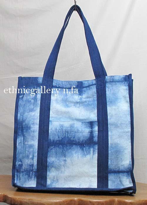 気軽に持ち歩きたい爽やかな藍染バッグ 藍染絞りバッグ-001 送料無料 藍 タイダイ コットン 格安 草木染 ラッピング無料 ギフト クラビ 和風 AL完売しました。 krabi