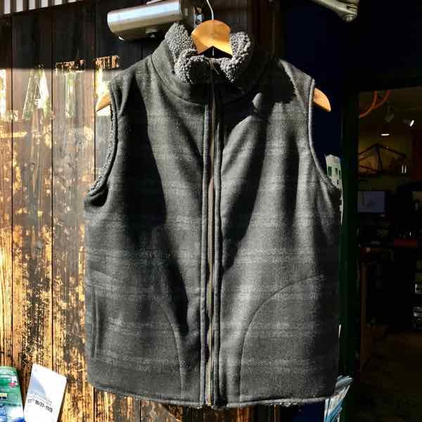 サイズ限定セール green clothing グリーンクロージング BOA VEST ボアベスト CHARCOAL BOAxBLACK CHECK 【ミッドレイヤー】【ベスト】【リバーシブル】
