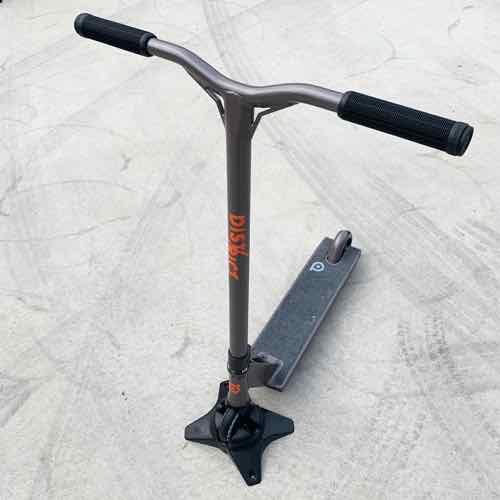フリースタイルスクータープロモデル DISTRICT ディストリクト C50 チタニウム 身長150~175cm キックボードスタントトリック