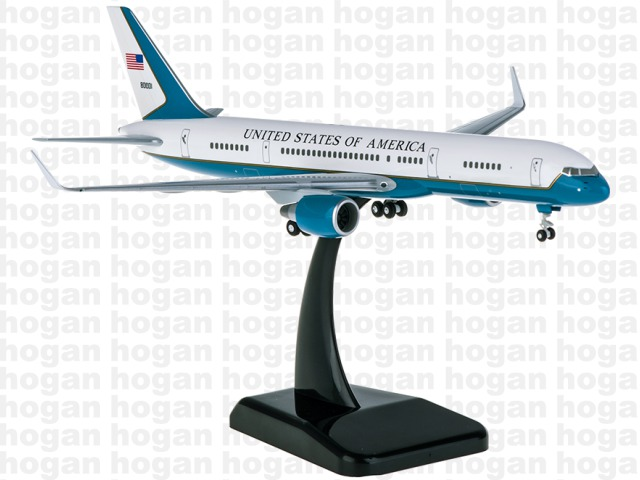C-32A(757-200w) アメリカ空軍 第89空輸航空団 「エアフォースツー」1/200 ※プラ製 2018年8月25日発売 hogan Wings/ホーガンウイングス飛行機/模型/完成品 [10260GR]