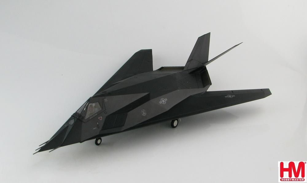 F-117A アメリカ空軍 第49作戦航空群 第7戦闘飛行隊 「スクリーミン・デーモンズ」 コソボ紛争時(ユーゴ軍が撃墜) 99年3月27日 #82-806 1/72 2019年9月11日発売Hobby Master/ホビーマスター飛行機/模型/完成品 [HA5805]