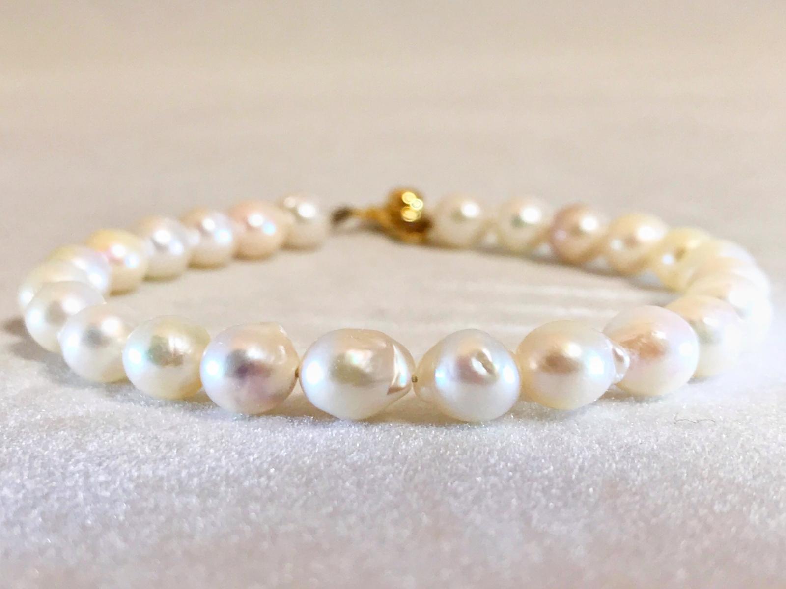 色目の良い天然のアコヤ真珠が入荷しました てり 新着セール 巻き 色 ともに高品質です 天然 アコヤ 直営店 真珠 16cm 24玉ワイヤーブレスレット おすすめです ワイヤーブレスレットのため伸びがございません 手首周り16cm以下の方に Sサイズ パール6.5mm