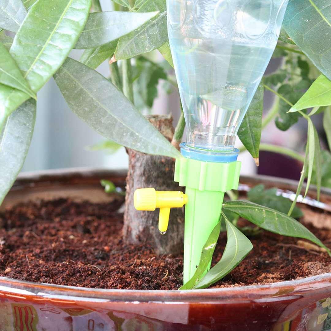 自動で水やりが可能に 12個セット 自動給水キャップ 自動水やり器 水やり 散水 ポイント消化 園芸 ガーデニング 盆栽 植木鉢 海外並行輸入正規品 定番から日本未入荷