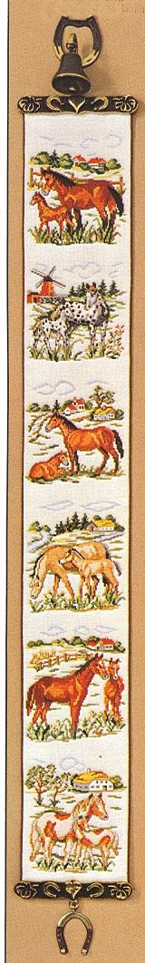 OOE クロスステッチ刺繍キット 36200 馬柄 ベルプル タペストリー 【取り寄せ/納期40~80日程度】 デンマークの刺しゅうメーカー「オーレンシュレーガー(O. Oehlenschlägers Eftf. / Oehlenschlager)」製ししゅうキット うま ウマ Horse