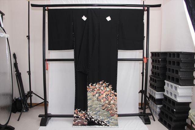 訳あり実店舗キャリー在庫 正絹黒留袖 黒(松×菊×梅×波) 正装 結婚式 着付けの練習 トッカ