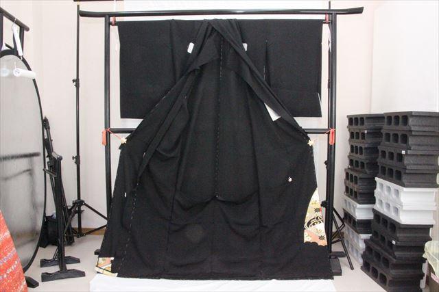 訳あり実店舗キャリー在庫 正絹黒留袖 絹100% 黒(鳥×椿×梅×菊) 正装 結婚式 着付けの練習 トッカ