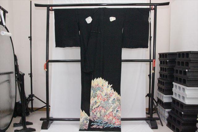訳あり実店舗キャリー在庫 正絹黒留袖 絹100% 黒(つる×木×楓×松) 正装 結婚式 着付けの練習 トッカ
