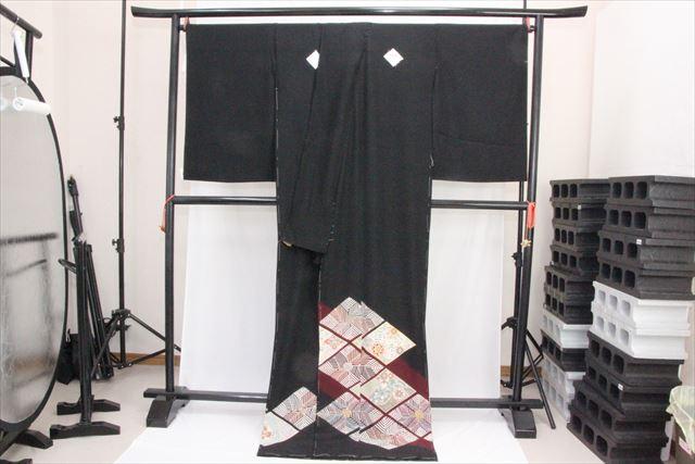 訳あり実店舗キャリー在庫 正絹黒留袖 絹100% 黒(ひし形×花もよう) 正装 結婚式 着付けの練習 トッカ