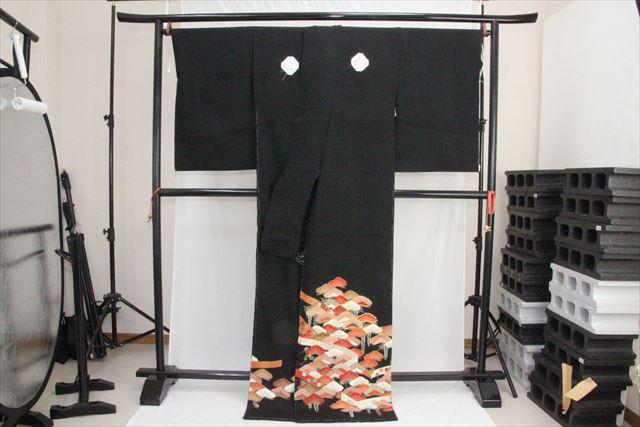 訳あり実店舗キャリー在庫 正絹黒留袖 絹100% 黒(松×藤) 正装 結婚式 着付けの練習 トッカ