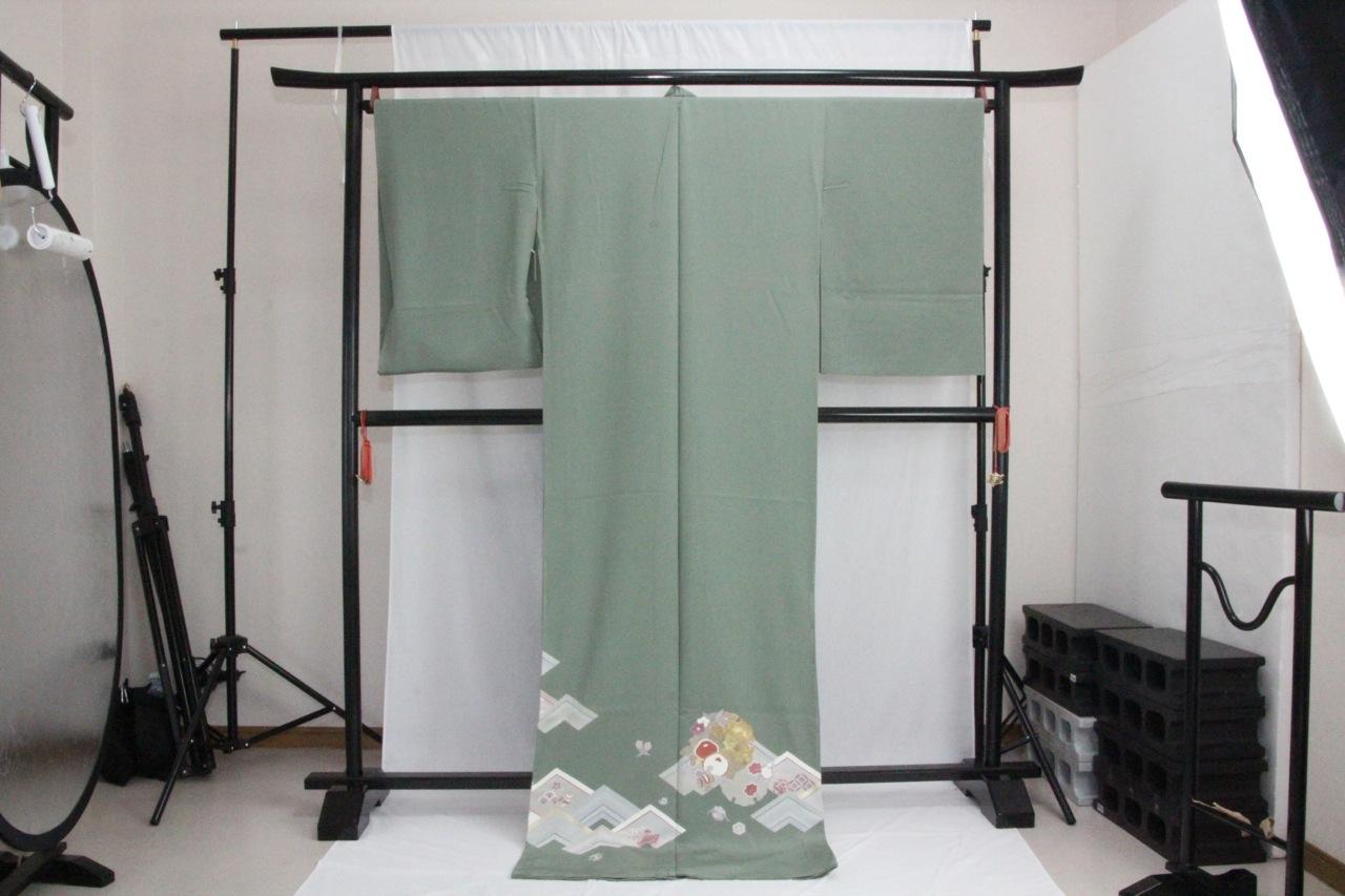 訳あり店舗キャリー在庫 正絹色留袖 草色(椿・楓・梅・まり・巻物)礼服 結婚式 お出かけ トッカ