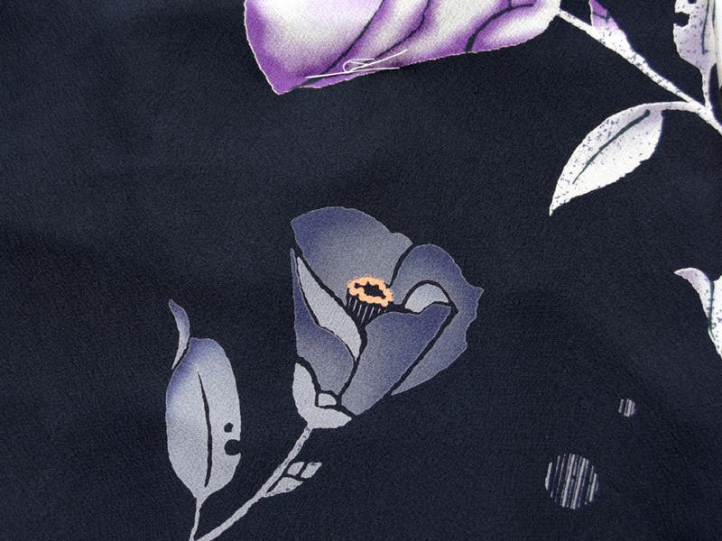 着物 ポリエステル着物 NICOLE 黒地に花 洗える着物 お仕立上り着物 ニコル 小紋