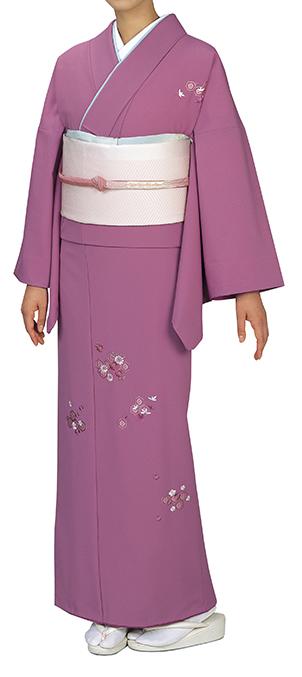 踊り衣裳 反物 礼印 一越刺繍附下げ 薄紅 取り寄せ商品 日本の踊り 掲載 踊り絵羽 稽古 習い事 舞踊 民謡 発表会《女性用 レディース 洗える着物》刺繍が施された品のあるお着物。 ポイント20倍 ポイント20倍