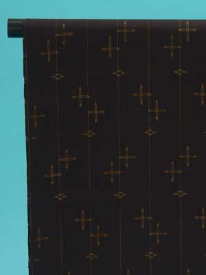 送料無料 訳あり 十日町紬 反物(正絹) こげ茶地 黄土色の琉球絣の柄 島幸商店謹製 店舗キャリー在庫 カジュアル お稽古 ショッピング ランチ 着付け教室 たんもの 着尺 トッカ