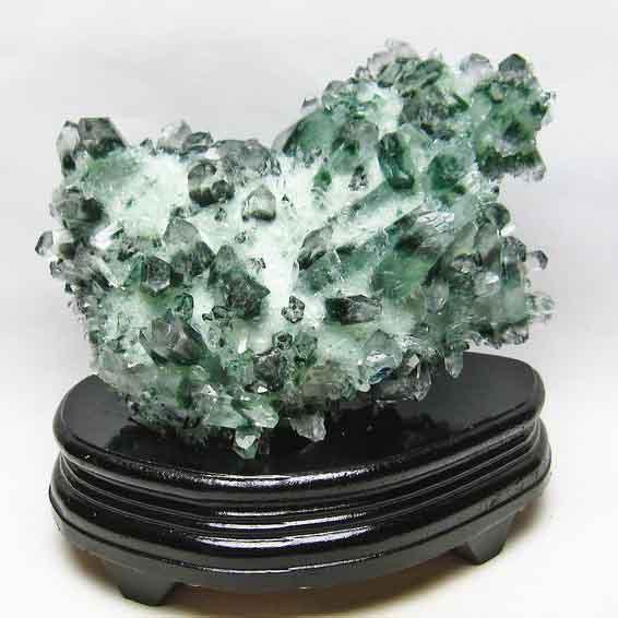 1.7Kg 緑水晶 クラスター 182-81
