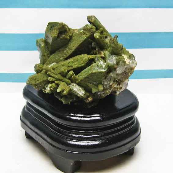 水晶 クラスター クリスタルクォーツ 原石 アメリカ産 グリーンファントム 182-89