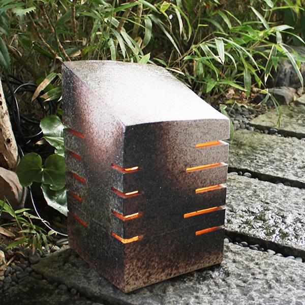 信楽焼庭園灯!玄関先、お庭を陶器照明が照らします。陶器あんどん/屋外用照明/防水ライト/行灯/あかり/防水照明[ak-0073]