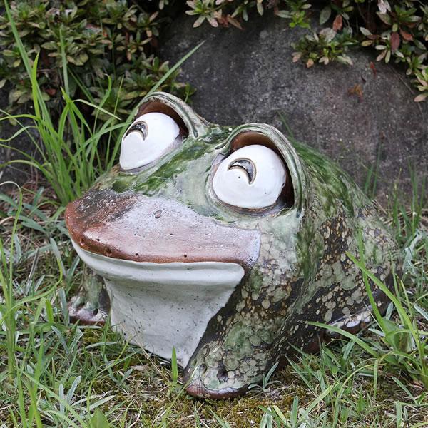信楽焼き10号笑い目蛙!縁起物カエル/お庭に玄関先に陶器蛙!やきもの/陶器/しがらきやき/蛙/陶器かえる/信楽焼カエル/[ka-0042]