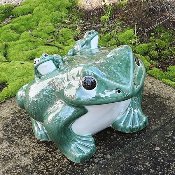 信楽焼 15号青蛙 縁起物カエル お庭に玄関先に陶器蛙 やきもの 陶器 しがらきやき 蛙 陶器かえる 信楽焼カエル ka-0055