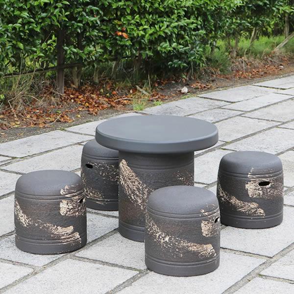 陶器テーブル 20号 信楽焼ガーデンテーブル 焼き物 お庭 ベランダ 庭園セット ガーデンテーブルセット 陶器 イス 信楽焼テーブル ガーデンセット 屋外用 やきもの 陶器つくえ te-0057
