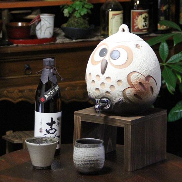 焼酎が美味しくなると評判の信楽焼焼酎サーバー!ふくろう焼酎サーバー/陶器サーバー/信楽焼サーバー/フクロウサーバー[ss-0099]
