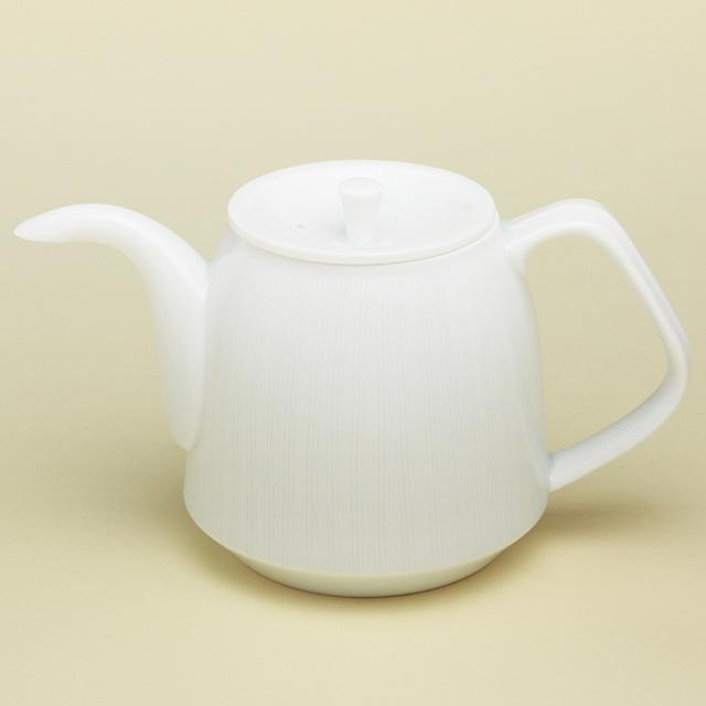 紅茶やハーブティーにおすすめ シンプルタイプのポットです 登場大人気アイテム 波佐見焼 陶房青 磁器 大注目 上質な器 ポット 普段使いの食器 青白磁線彫