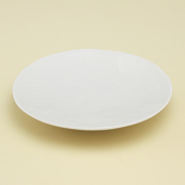 シンプルな青白磁で使いやすい5寸皿です 祝日 波佐見焼 陶房青 磁器 青白磁線彫 上質な器 普段使いの食器 5寸皿 タイムセール