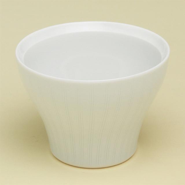 シンプルであわせるものを選ばないフリーカップです 波佐見焼 陶房青 磁器 普段使いの食器 青白磁線彫 大 新仙茶 上質な器 公式ストア お買い得