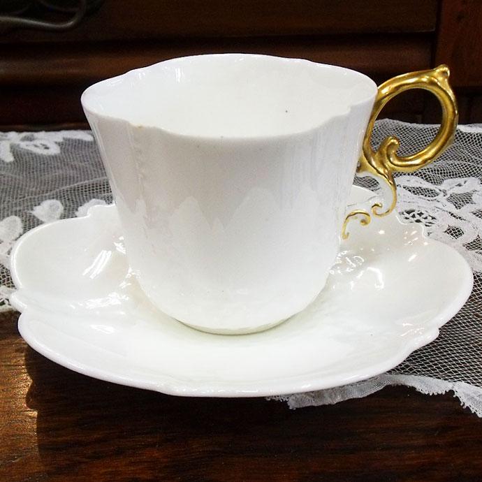 ◆アンティーク食器・陶磁器 エインズレイ(Aynsley) エレガントな白のデミタスカップ/コーヒーカップ 1899年◆