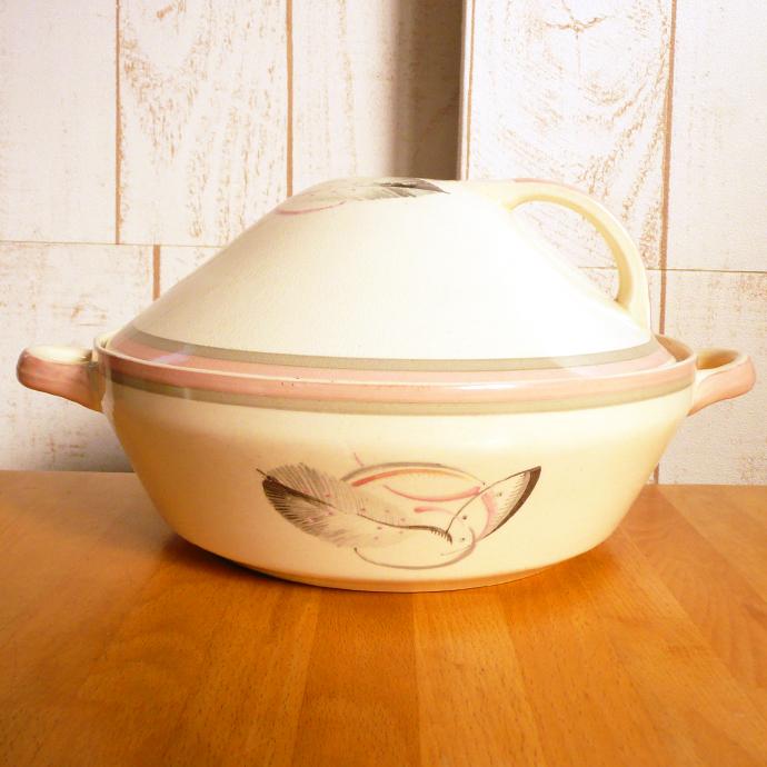 アンティーク食器・陶器 スージークーパー チュリーン(フタ付ボウル)あっさりとしたピンクとグレーのフェザー柄