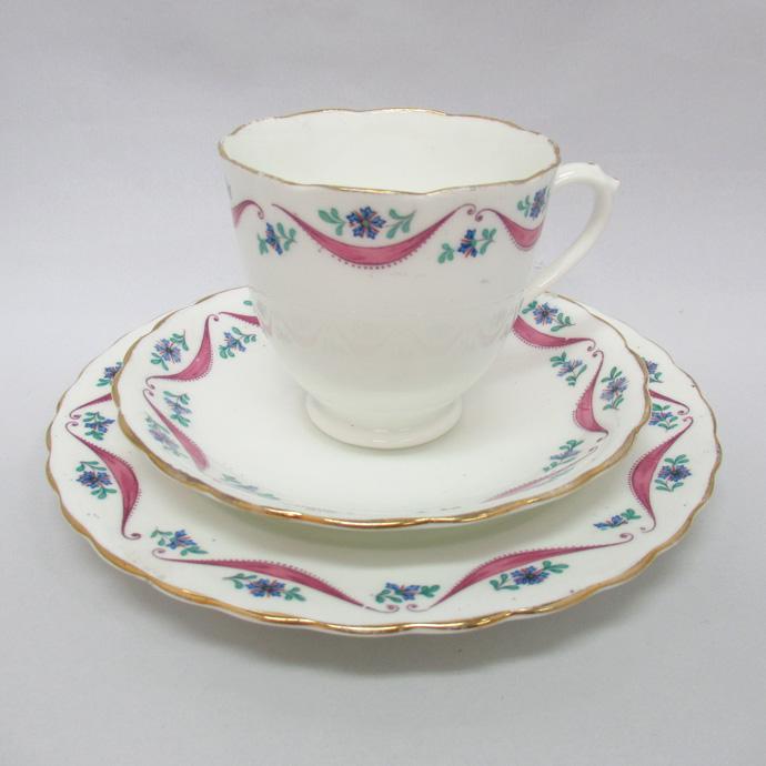 アンティーク トリオ カップ&ソーサー New Chelsea ニューチェルシー 1912-51年頃 ヴィンテージ 食器 陶磁器 キッチン雑貨 テーブルウェア ティ―セット 茶器