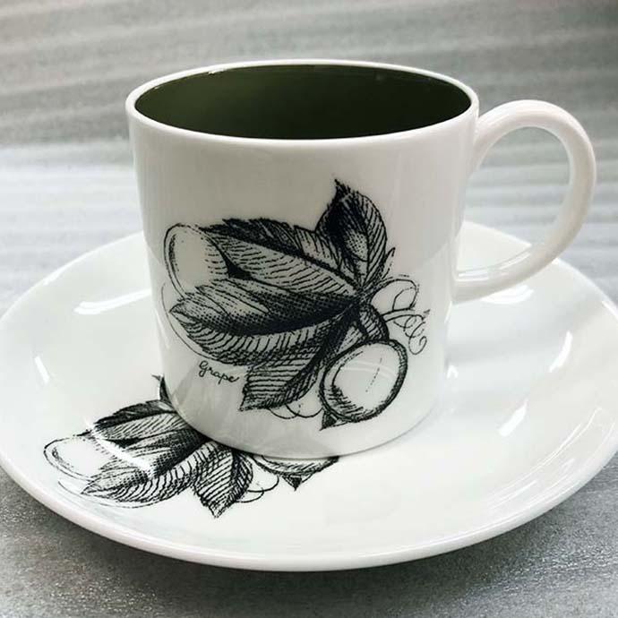 アンティーク ティーカップ&ソーサー susie cooper スージークーパー(グレープ柄のみ) 1950-66年頃 スターマーク ヴィンテージ 食器 陶磁器 キッチン雑貨 テーブルウェア ティ―セット 茶器/画像は4点一緒になっておりますが【一個のお値段】となります