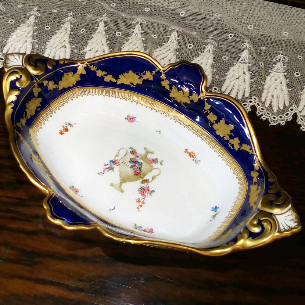 アンティーク食器 ロイヤルクラウンダービー ボウル・深皿 1897年 一部ハンドペイント(手描き) 金彩 美品
