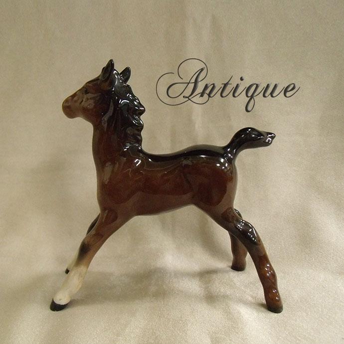 【アンティーク雑貨】馬の陶製フィギュア/鹿毛(茶・黒・白)英国・ベズウィック社製