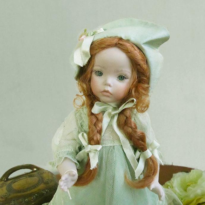 Marigio マリジオ 陶製 ビスクドール 少女(グリーン) イタリア マリア・ロッシ 作