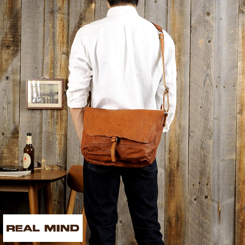 49e06cb084b8 It is   vintage   bag bag bag   at  A4  bias made in men s   shoulder bag    soft leather genuine leather leather   Japan for the REAL MIND horse-skin  ...
