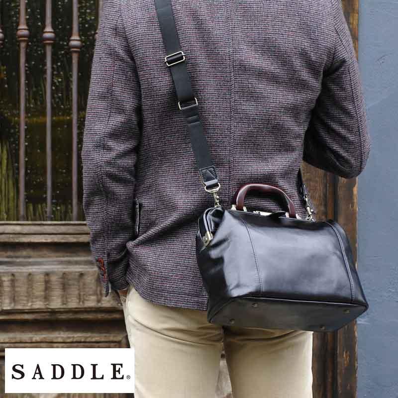 SADDLE 牛革ミニダレスバッグ 木製ハンドル ブラック No.10431-01 男性用 メンズ ダレスバッグ 革 本革 レザー 日本製 小さい 小型 A5 ショルダー付き 2way 鞄 かばん バッグ